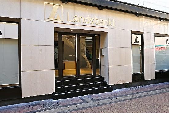 Banque Landsbanki Cannes : 19