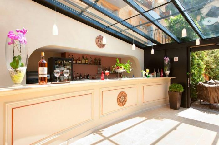 Hotel la Perouse Nice : 226705_10153161422730206_957659478_n