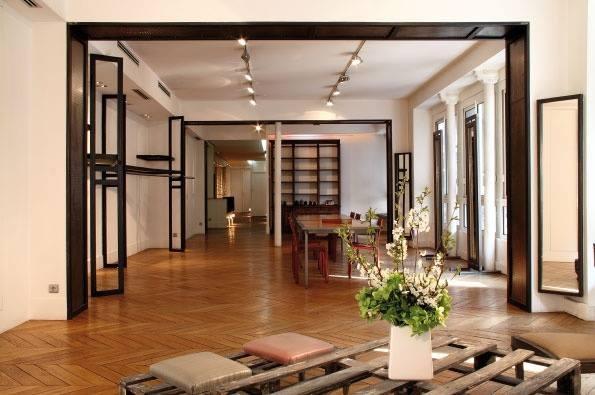 Showroom by (paris)